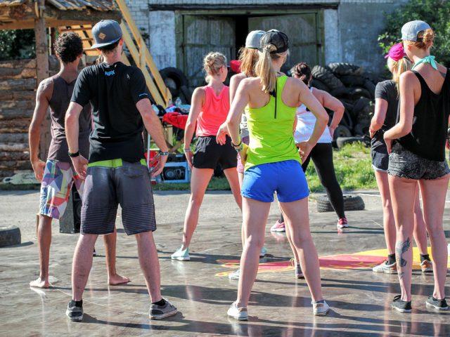 Arbeta som gruppträningsledare – dansa på jobbet